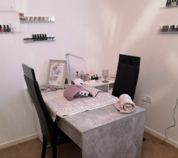 File N Syle nail salon in Golborne