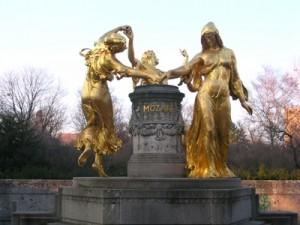 Mozart Monument, Dresden