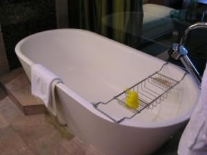 bangkok-conrad-bathtub