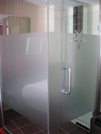 Bathroom Stall Em Portugues my square foot – an examination of hotel room size