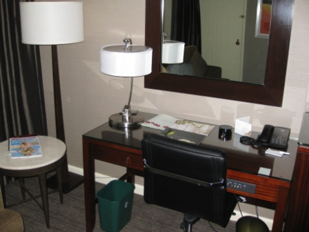 Westin Tabor Center - Tabor Suite desk