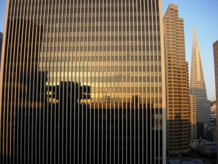 Drumm Street room view of TransAmerica pyramid
