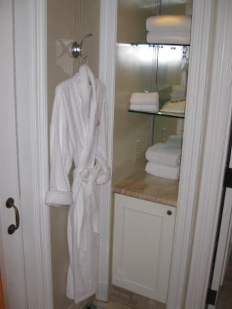 bath-towels-robe