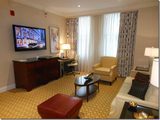 LaSalle Suite living room-2
