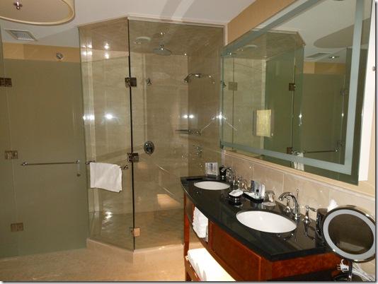 McCormick Suite bathroom-1