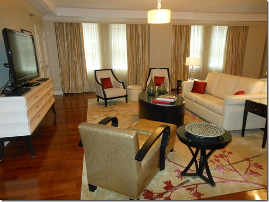 McCormick Suite living room-1