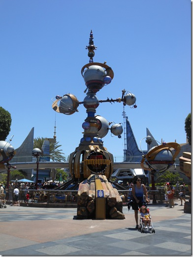 Disneyland-Day 2 021