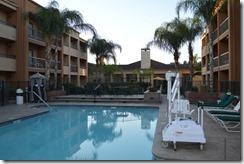 Courtyard Fresno pool