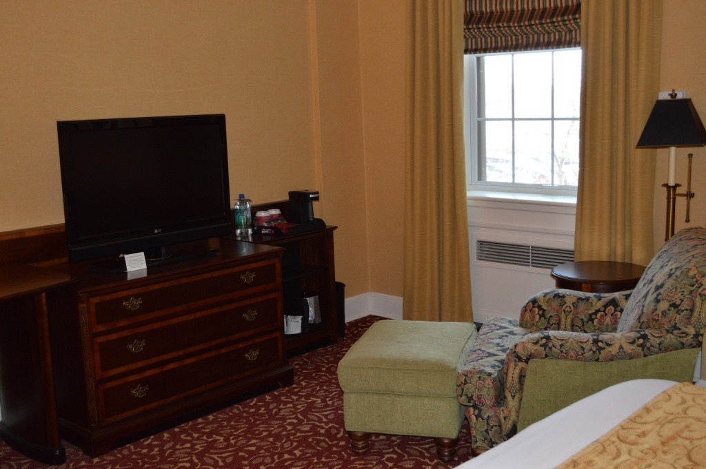 Hotel Rooms In Dearborn Michigan