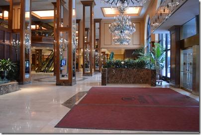 Hilton Minn entrance
