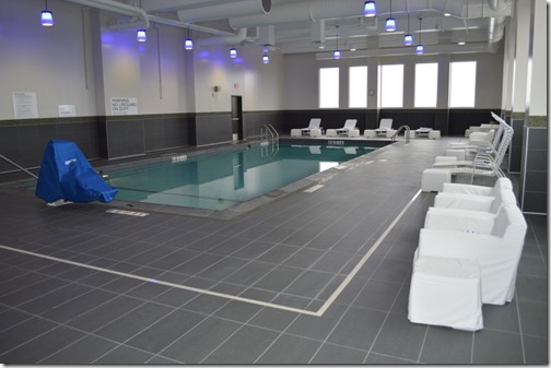Radisson MOA pool