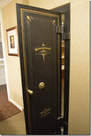 Capone Suite bank door