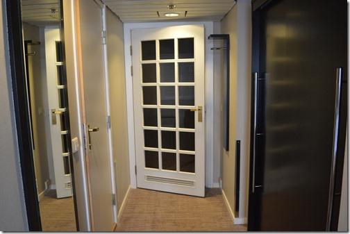 Door between rooms