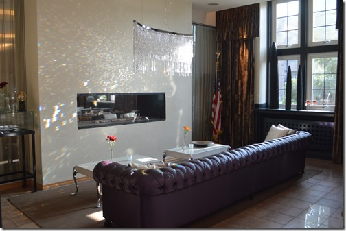 Havne lobby fireplace