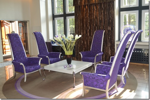 Havnekontoret lobby chairs