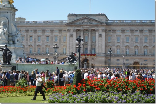 Buckingham Palace red