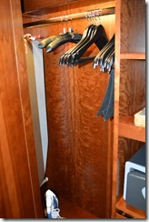IC 464 closet