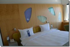 Rad Blu Royal room bed