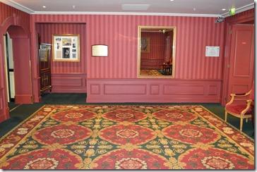Le Grand 4th floor foyer
