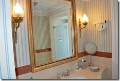 Amstel Hotel bath counter