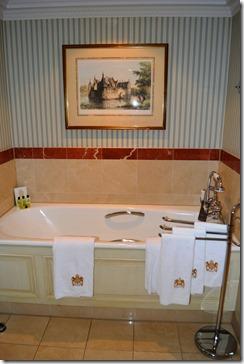 Amstel Hotel tub