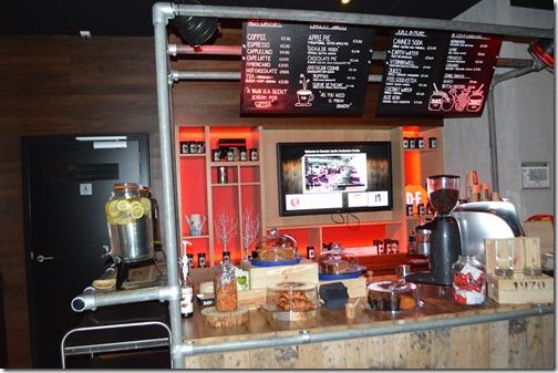 Ramada AMS cafe