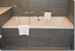 Ramada Bath-2
