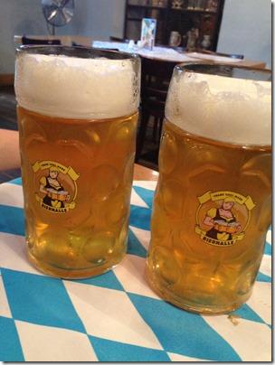 Bierhalle liter mugs