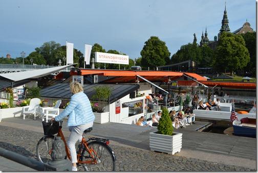 Strand cafe life