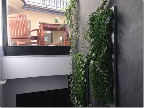 Breakfast room stairway
