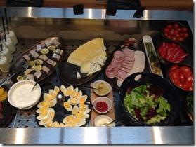 Hotel Indigo breakfast buffet1
