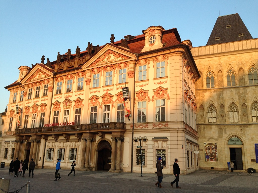 Ten mile walking tour around prague part 3 old town for Prague square