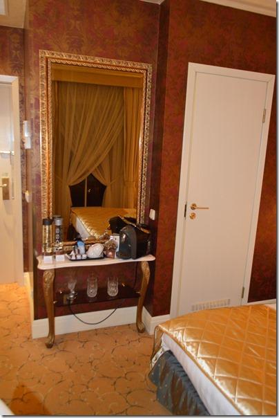 Ramada room1
