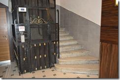 Days Inn elevator