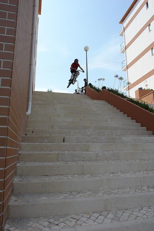 having fun in stair gap / foto by Tina