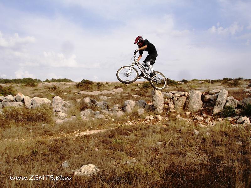 jump/photo by Tina