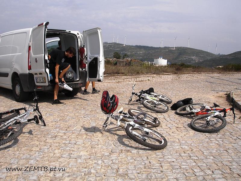 preparing the ride/photo by Tina