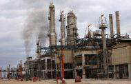 نتيجة لنفاذ المخزون..إيقاف عمليات تكرير النفط بمصفاة الزاوية بعد قطع الإمداد من الحقول