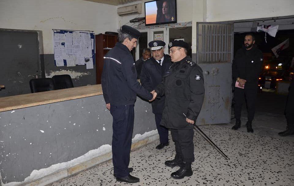 مدير أمن طرابلس يتفقد مراكز الشرطة  بالعاصمة
