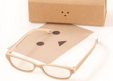 呆萌紙箱人又來搶錢囉~這次是「阿楞眼鏡」!還能抗藍光呢~ @LPComment 科技生活雜談