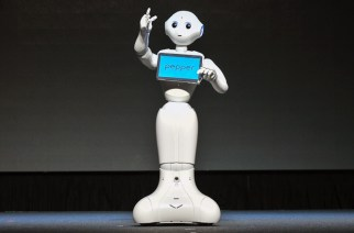 Pepper機器人員工正式登台!B2B租賃「月薪」26888 @LPComment 科技生活雜談