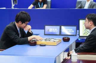 再戰AlphaGo,柯潔投子認輸吞二連敗
