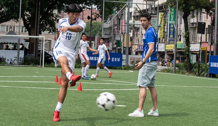 三星「星美好」計劃攜手知名球員陳昌源,助家扶足球小將圓夢