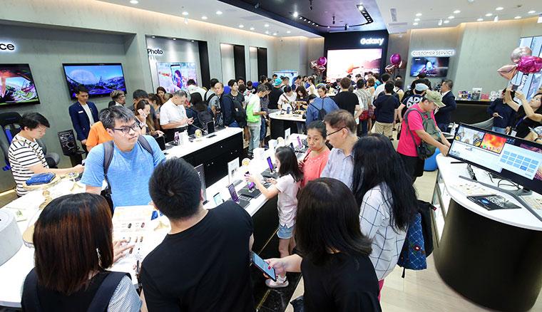 全新面貌的三星體驗館於台北三創開幕!六都商圈重點門市將陸續升級