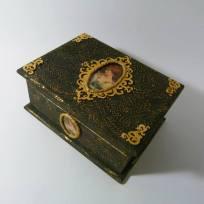 кутия за бижута в стил ретро
