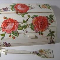 shabby-chic-roses-bread-box15