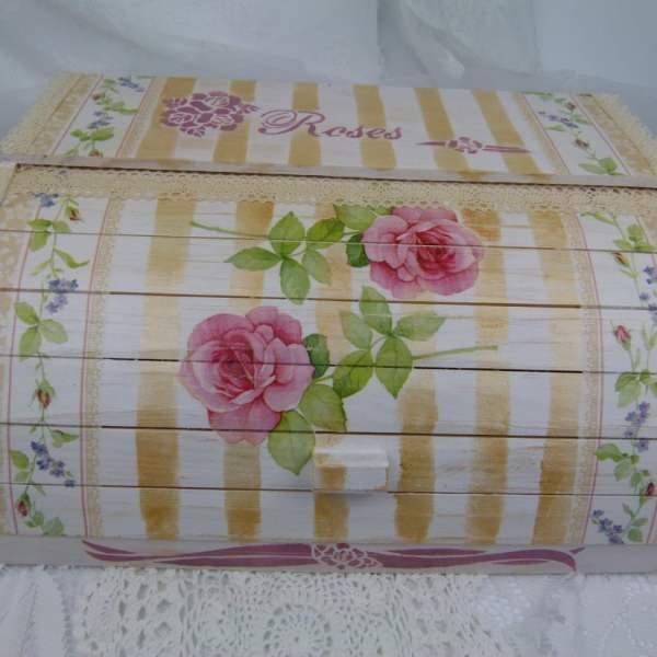 vintage-roses-bread-box