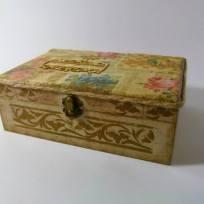 дървена кутия за бижута