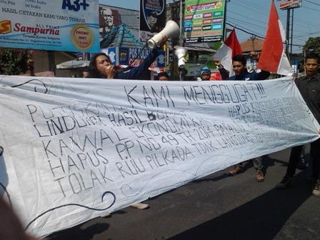 Sepuluh gugatan yang disampaikan aksi massa memperingati hari sumpah pemuda (28/10).