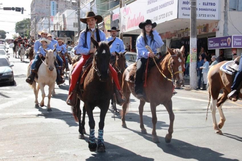 Cavalgada Entre Amigos Andradina (2).jpg